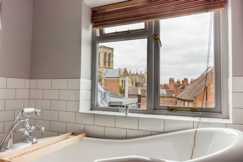 Upfront,up,front,reviews,accommodation,self,catering,rental,holiday,homes,cottages,feedback,information,genuine,trust,worthy,trustworthy,supercontrol,system,guests,customers,verified,exclusive,17 blake street,stays york,york,,image,of,photo,picture,view