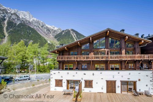 Sunny balconies with stunning mountain views