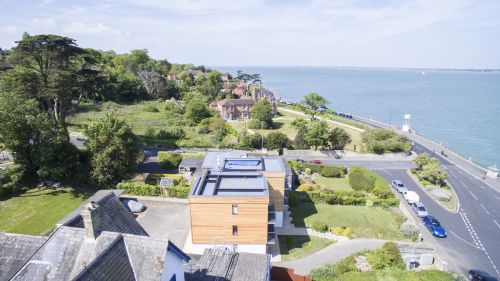 Upfront,up,front,reviews,accommodation,self,catering,rental,holiday,homes,cottages,feedback,information,genuine,trust,worthy,trustworthy,supercontrol,system,guests,customers,verified,exclusive,regatta quay west apartments,island holiday homes,cowes,,image,of,photo,picture,view