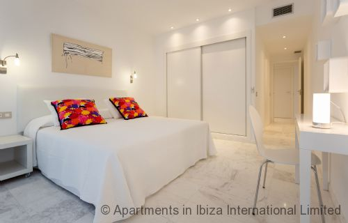Upfront,up,front,reviews,accommodation,self,catering,rental,holiday,homes,cottages,feedback,information,genuine,trust,worthy,trustworthy,supercontrol,system,guests,customers,verified,exclusive,ibiza royal beach flores,apartments in ibiza limited,ibiza town,,image,of,photo,picture,view