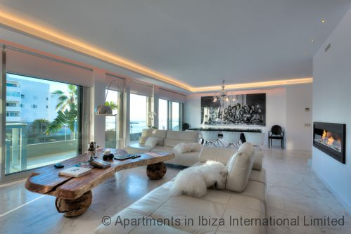 Upfront,up,front,reviews,accommodation,self,catering,rental,holiday,homes,cottages,feedback,information,genuine,trust,worthy,trustworthy,supercontrol,system,guests,customers,verified,exclusive,ibiza royal beach crystal,apartments in ibiza limited,ibiza town,,image,of,photo,picture,view