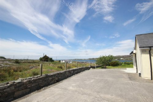Upfront,up,front,reviews,accommodation,self,catering,rental,holiday,homes,cottages,feedback,information,genuine,trust,worthy,trustworthy,supercontrol,system,guests,customers,verified,exclusive,seals cottage,connemara holiday lettings,clifden ,,image,of,photo,picture,view