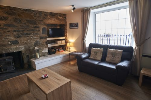 Upfront,up,front,reviews,accommodation,self,catering,rental,holiday,homes,cottages,feedback,information,genuine,trust,worthy,trustworthy,supercontrol,system,guests,customers,verified,exclusive,galloway cottage,pillow,portpatrick,,image,of,photo,picture,view