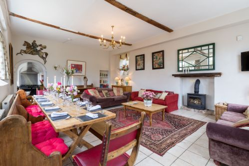 Upfront,up,front,reviews,accommodation,self,catering,rental,holiday,homes,cottages,feedback,information,genuine,trust,worthy,trustworthy,supercontrol,system,guests,customers,verified,exclusive,the coach house,upper court,kemerton,,image,of,photo,picture,view