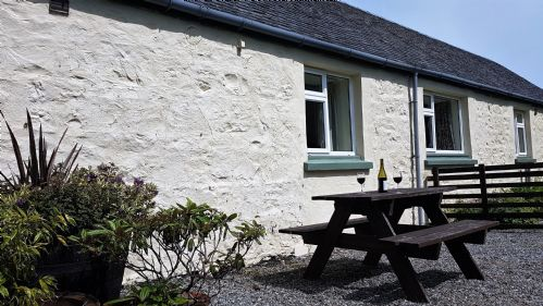 Upfront,up,front,reviews,accommodation,self,catering,rental,holiday,homes,cottages,feedback,information,genuine,trust,worthy,trustworthy,supercontrol,system,guests,customers,verified,exclusive,rowan cottage,loch seil cottages,oban,,image,of,photo,picture,view