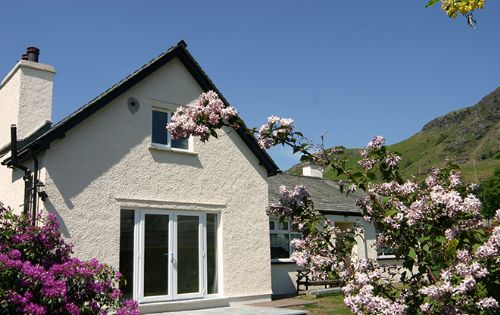 Cherry Tree Cottage (sleeps 2-9)