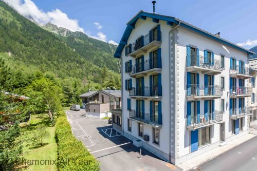 Upfront,up,front,reviews,accommodation,self,catering,rental,holiday,homes,cottages,feedback,information,genuine,trust,worthy,trustworthy,supercontrol,system,guests,customers,verified,exclusive,clos des roches apartment,chamonix all year ltd,les praz,,image,of,photo,picture,view