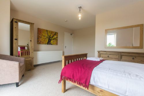 Upfront,up,front,reviews,accommodation,self,catering,rental,holiday,homes,cottages,feedback,information,genuine,trust,worthy,trustworthy,supercontrol,system,guests,customers,verified,exclusive,hendy - first floor apartment,coastal holidays,moelfre,,image,of,photo,picture,view