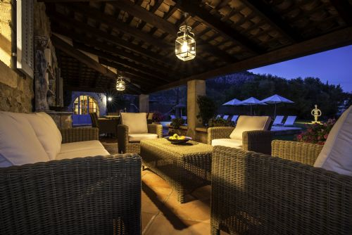 Upfront,up,front,reviews,accommodation,self,catering,rental,holiday,homes,cottages,feedback,information,genuine,trust,worthy,trustworthy,supercontrol,system,guests,customers,verified,exclusive,villa alyvos,morgan & morgan fabulously good homes,pollenca,,image,of,photo,picture,view