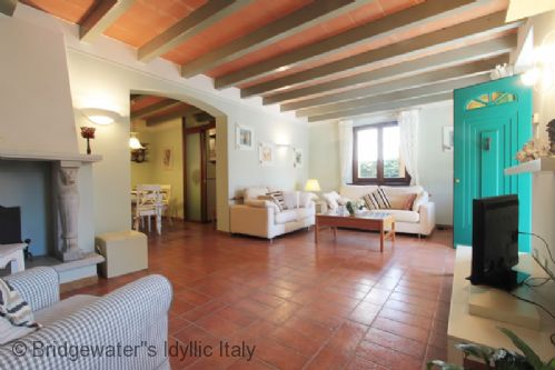 Upfront,up,front,reviews,accommodation,self,catering,rental,holiday,homes,cottages,feedback,information,genuine,trust,worthy,trustworthy,supercontrol,system,guests,customers,verified,exclusive,villa forte dei marmi 1,bridgewater's idyllic italy,forte dei marmi,,image,of,photo,picture,view