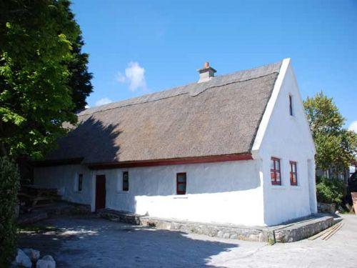 Tithe Na Cora,Bealadangan, Connemara, Co.Galway - 4 Bed - Sleeps 6