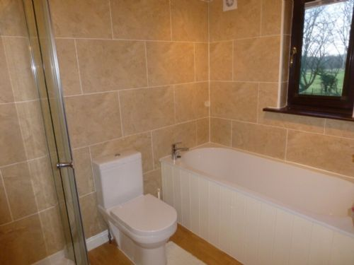 Garth Cottage, Bathroom, Lakes Cottage Holidays