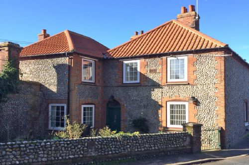 Abbey Cottage in Weybourne Norfolk a perfect family holiday home