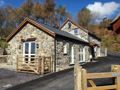 Upfront,up,front,reviews,accommodation,self,catering,rental,holiday,homes,cottages,feedback,information,genuine,trust,worthy,trustworthy,supercontrol,system,guests,customers,verified,exclusive,bryn eithin,luxury north wales cottages,corwen,,image,of,photo,picture,view