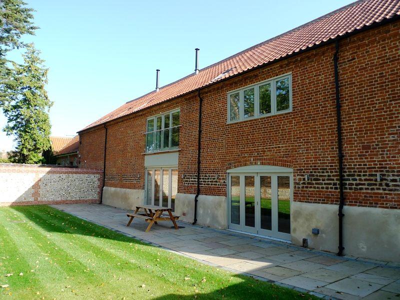 1 Manor Farm Barns | Outside