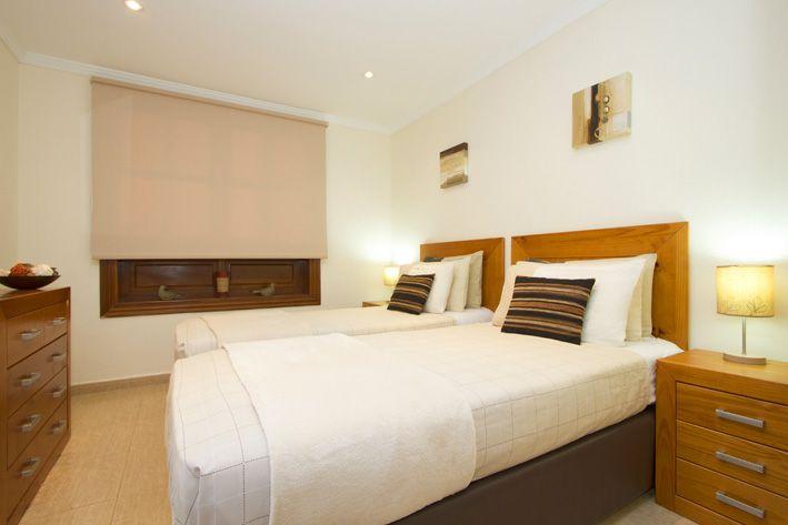 Cool & Chic Guest bedroom with en-suite bathroom
