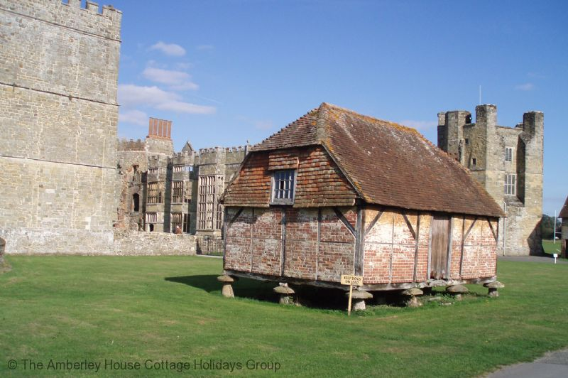 Large Image - Cowdray House ruins, Midhurst