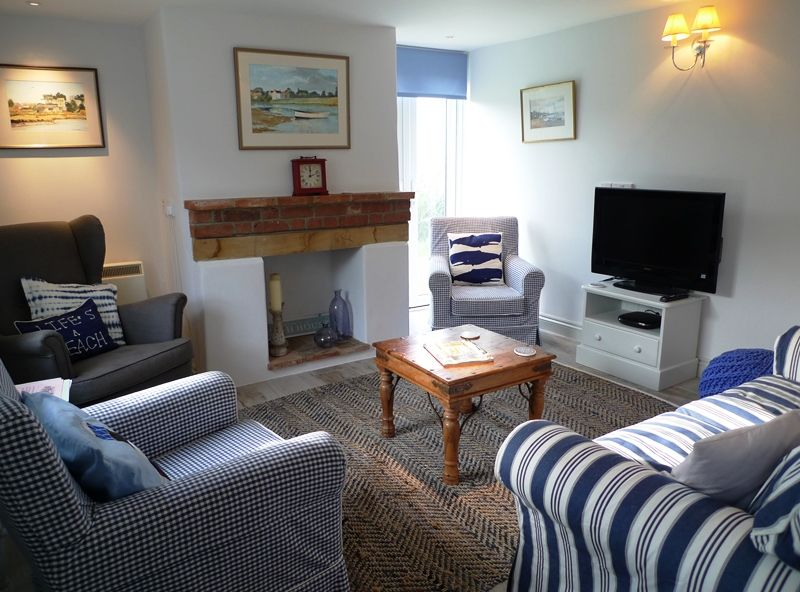 Island House   Sitting room