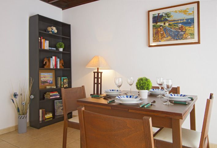 Casa Morgana. Playa Blanca villia with dining room with seating and table