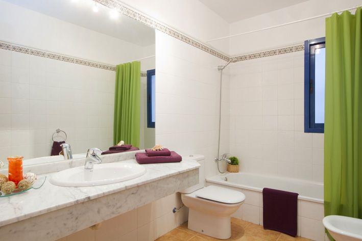 Master bathroom in Casa Clara, Playa Blanca