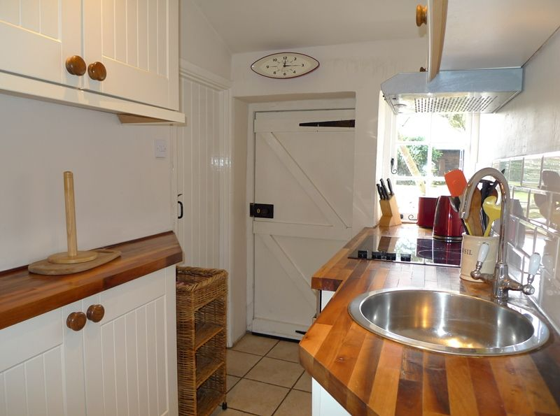 3 Post Mill Cottages | Kitchen