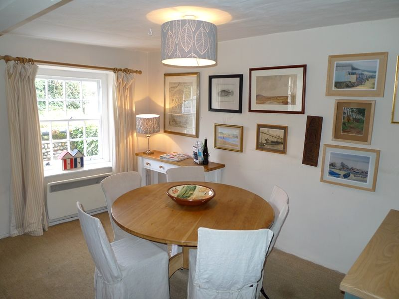 3 Post Mill Cottages | Dining area