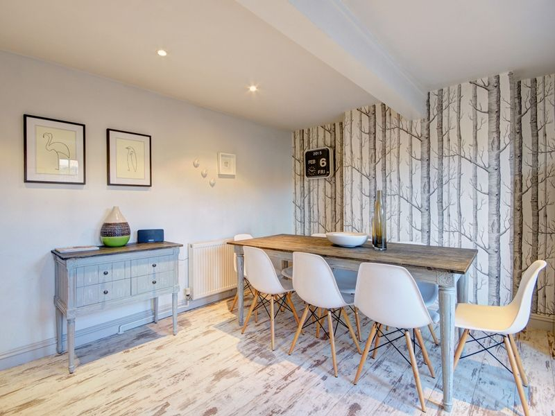 Albion House | Kitchen table