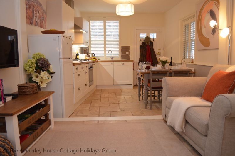 Large Image - Comfortable open plan living