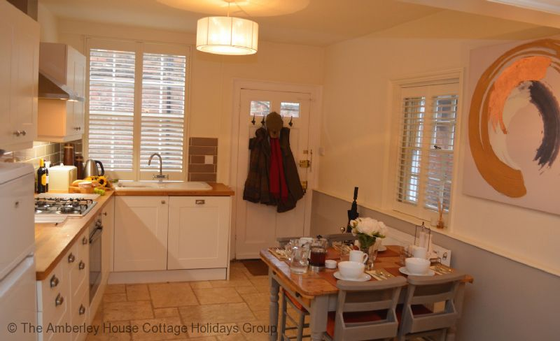 Large Image - Ockman Cottage - Open plan living in this holiday let in Rye, East Sussex