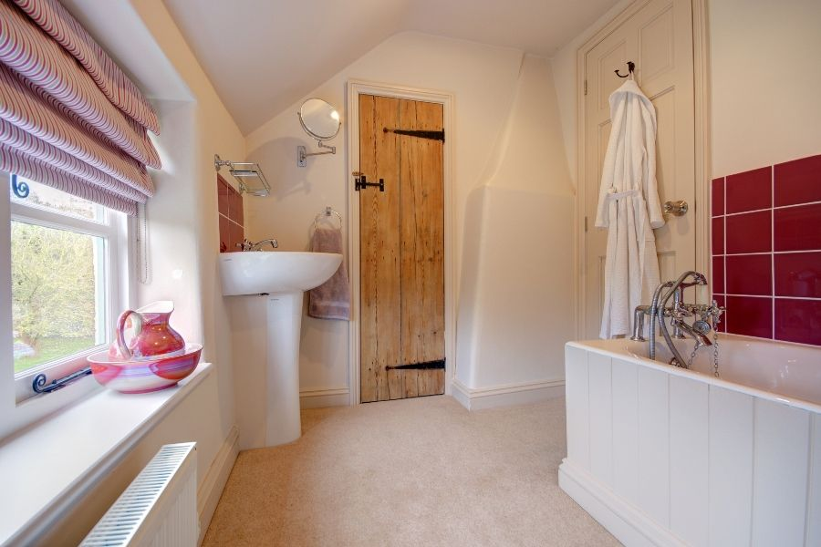 Church Farm Cottage with Studio | Bedroom 3 en-suite