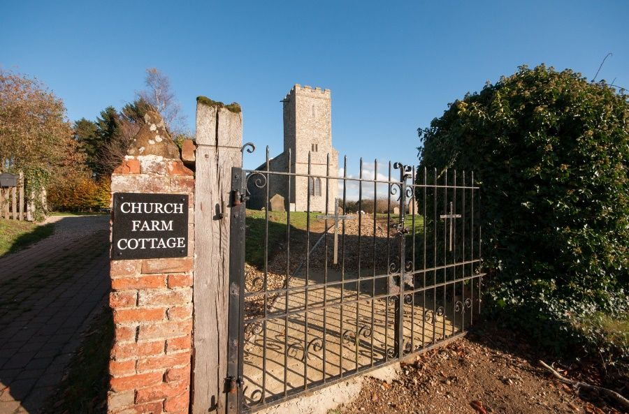 Church Farm Cottage with Studio | Front drive