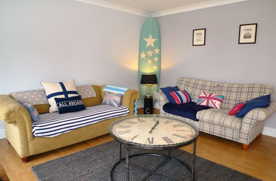 Urchins | Sitting room
