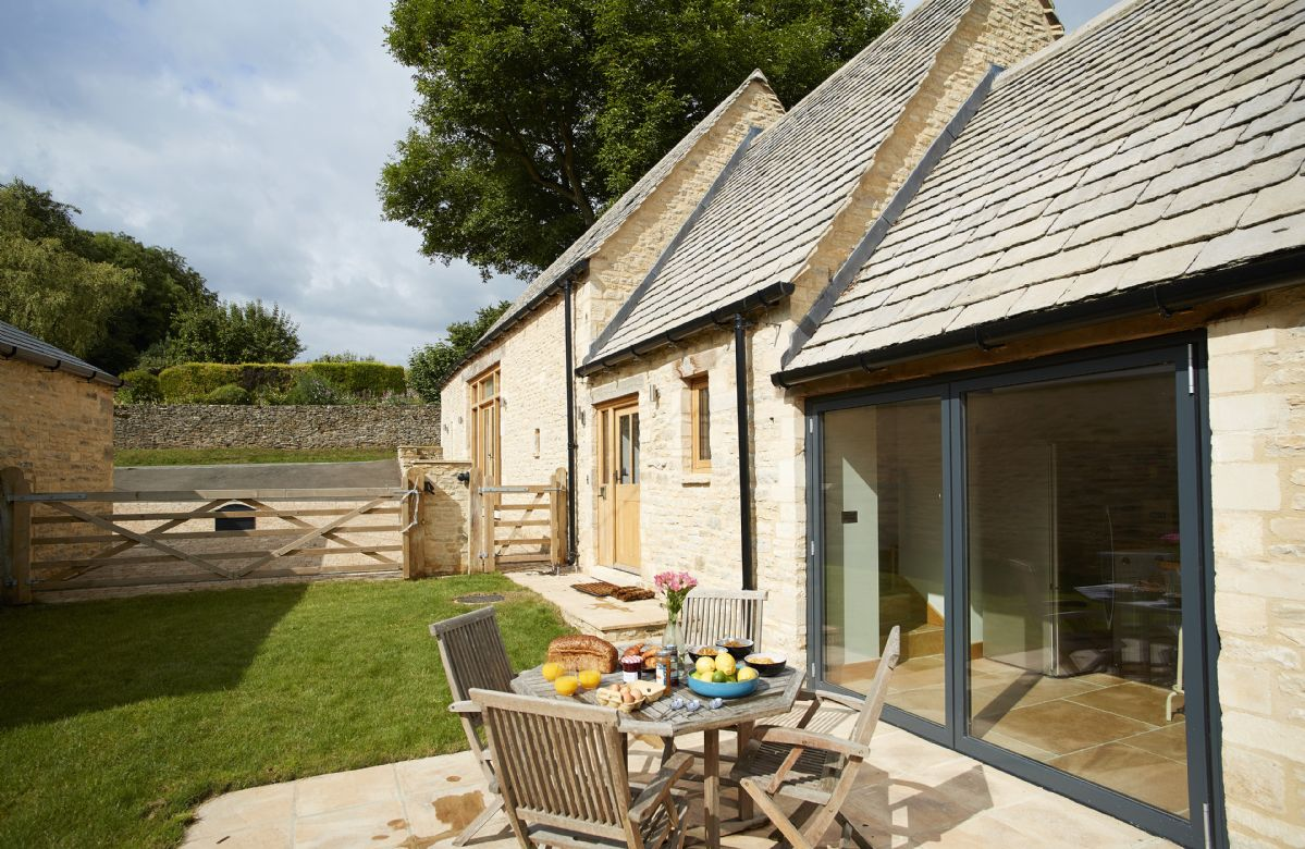 Astonishing Rosebank Barn Holiday Cottages And Homes In Download Free Architecture Designs Lukepmadebymaigaardcom