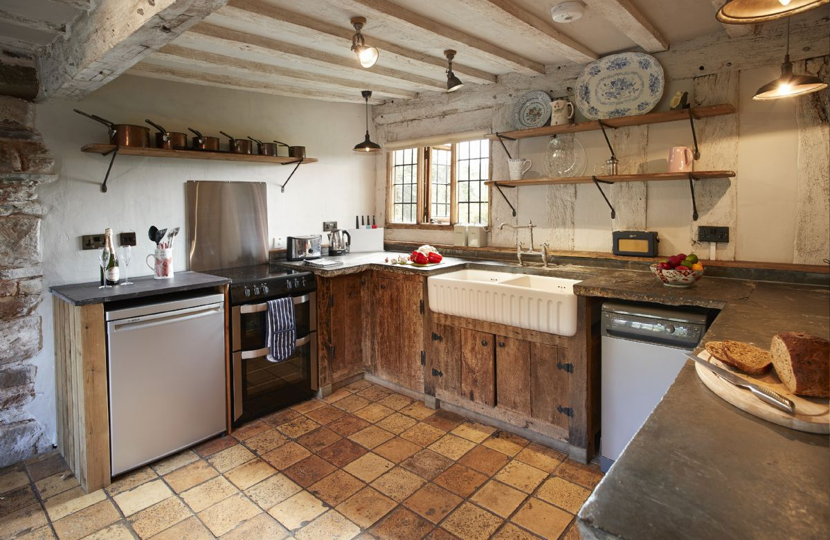 Ground floor: Rustic style kitchen
