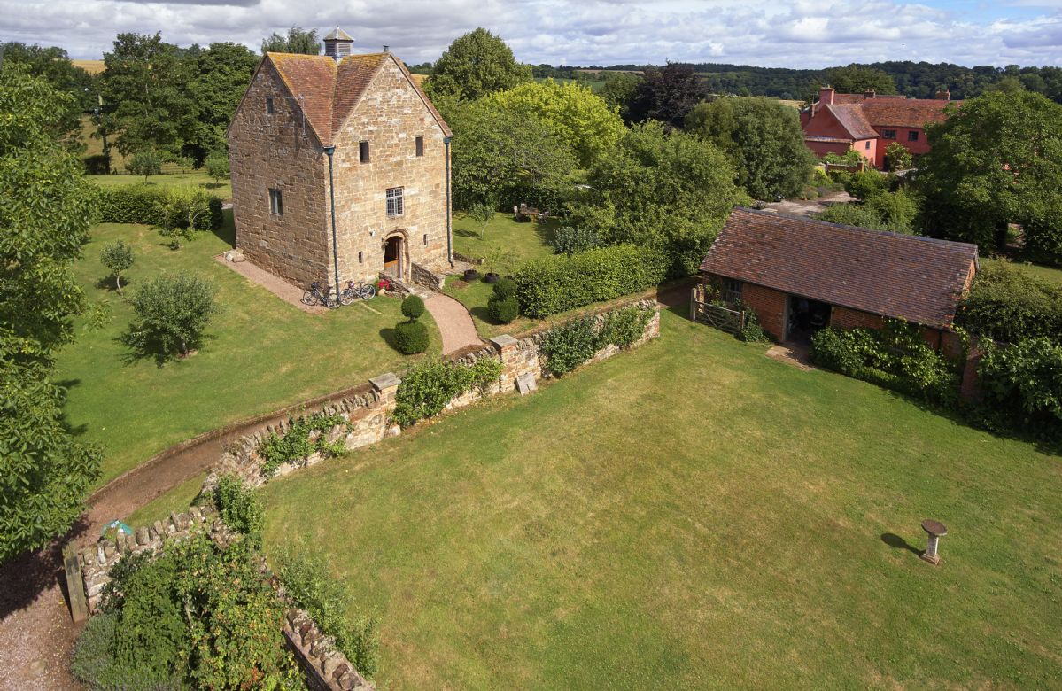 The Dovecote, in the grounds of Elizabethan Pauntley Court, is the perfect country escape set in glorious grounds and close to beautiful country and river walks