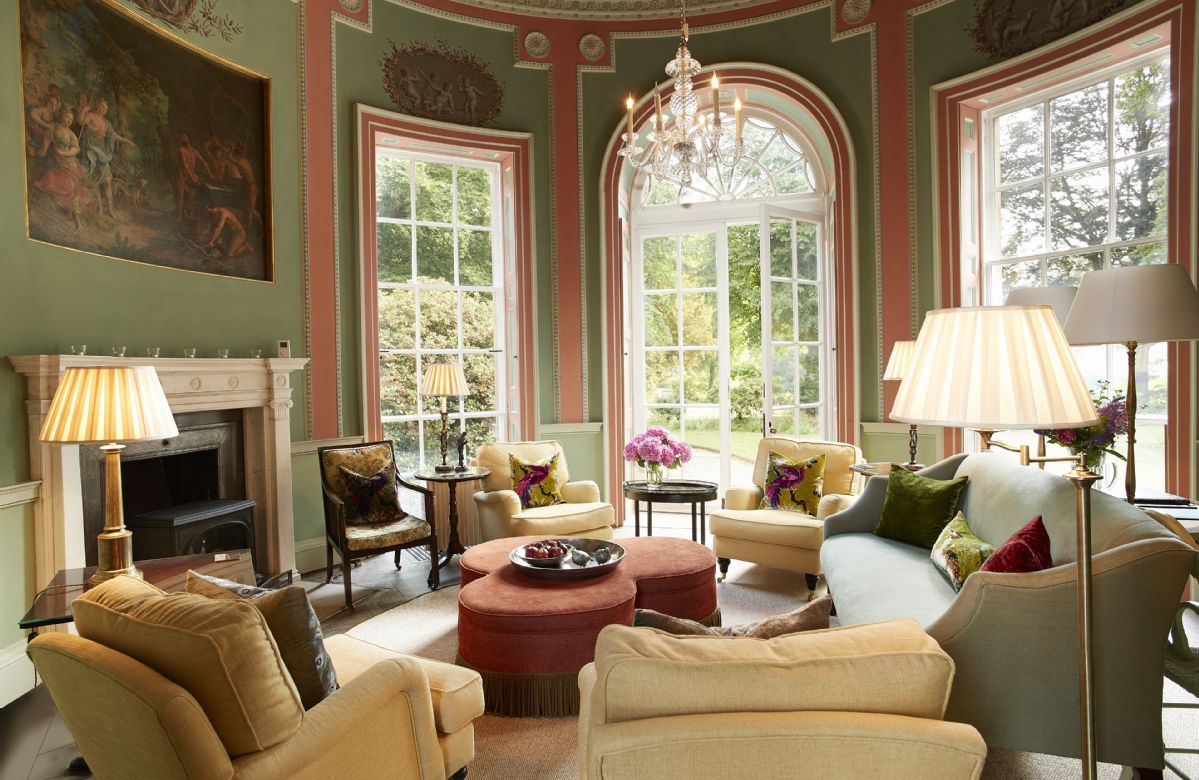 Ground floor:  Circular lounge