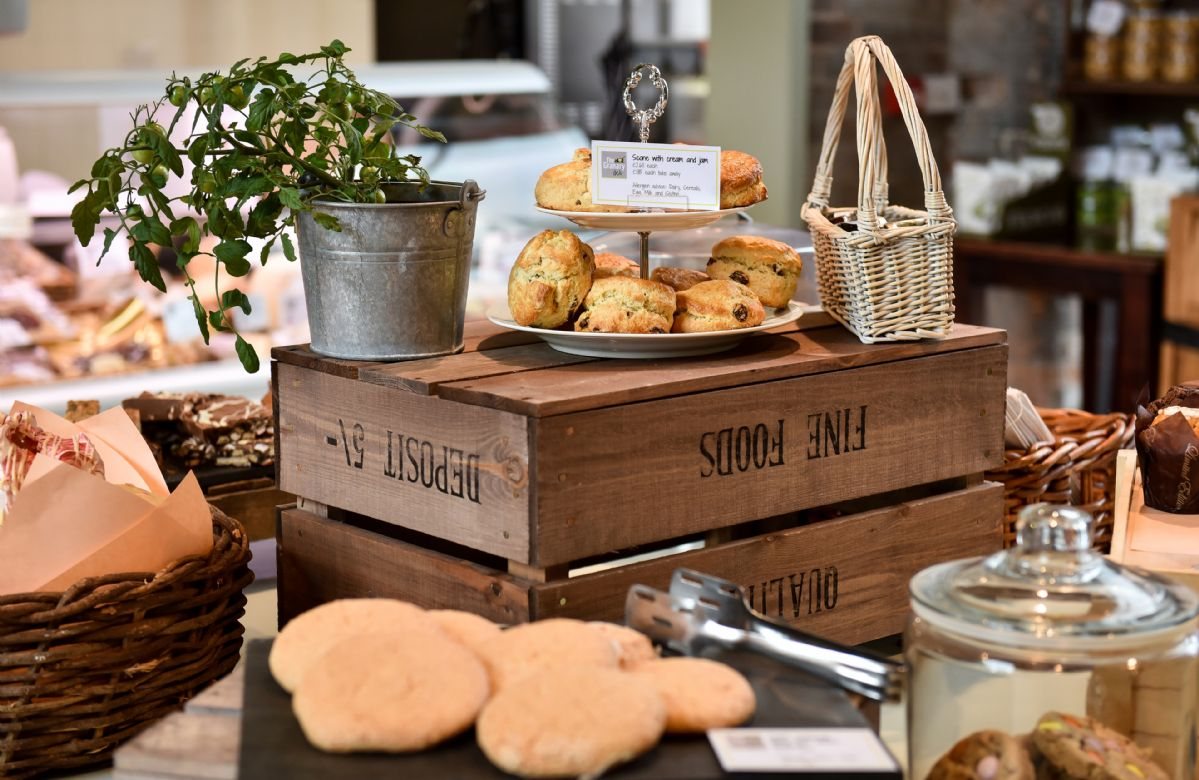 The Granary Deli, with cafe style seating and coffee snug enables customers to enjoy a relaxed breakfast, catch up with friends or colleagues over barista served coffee or tuck into a range of light snacks.