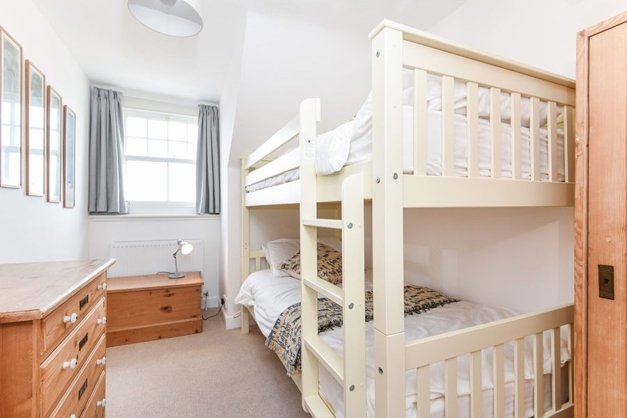 Malvern 5 bedrooms | Bunk room 5