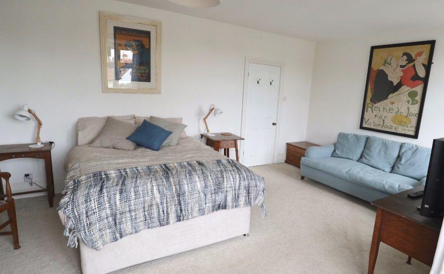 Malvern 3 bedrooms   Bedroom 1