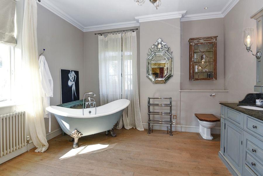 Old Rectory | En-suite bedroom 1
