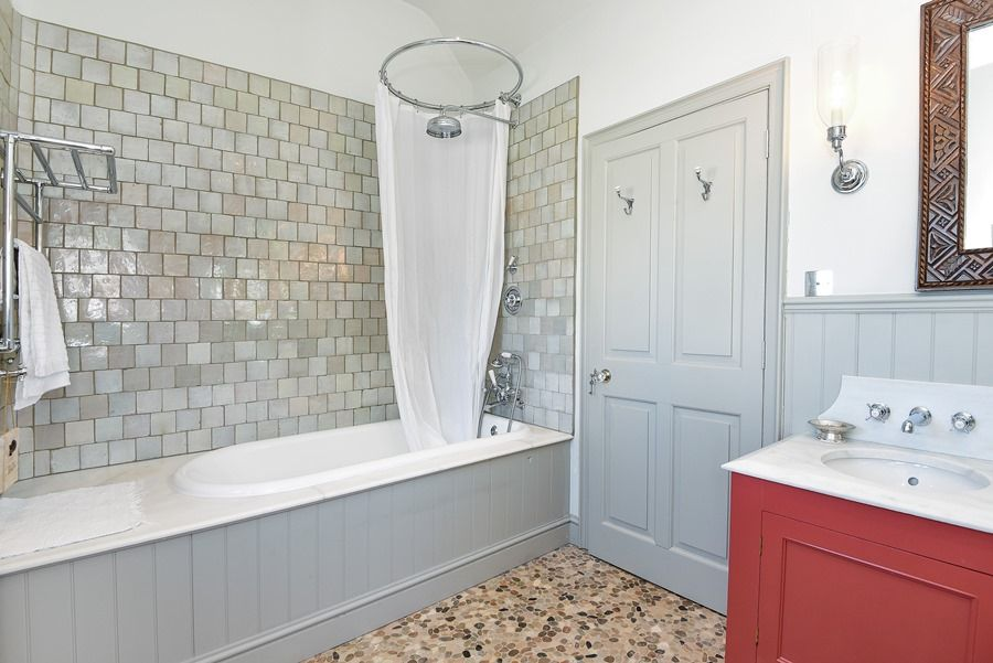 Old Rectory | Family bathroom