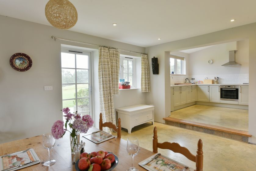 The Parlour: Open plan dinning and kitchen
