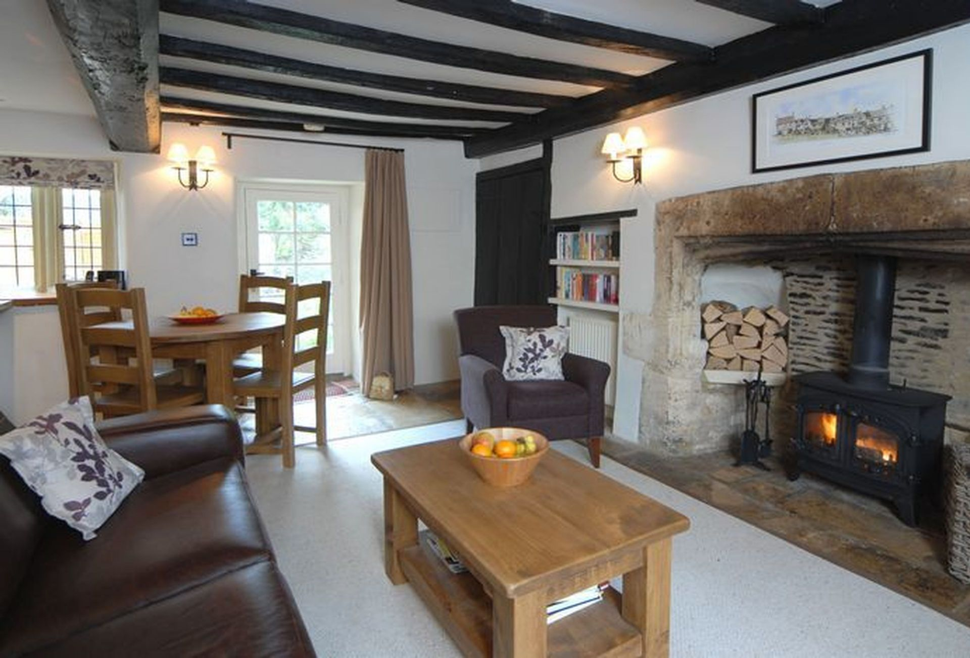Another aspect of the Sitting Room with the dining area