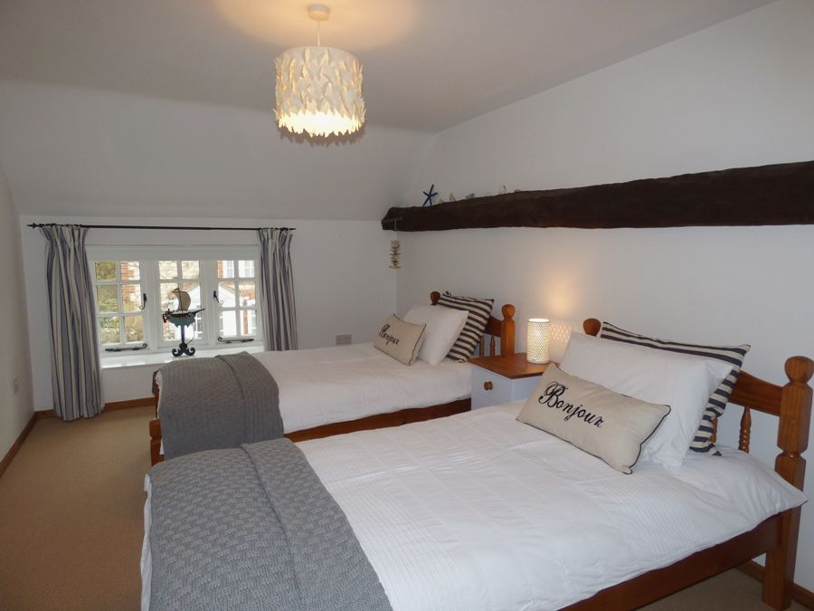 Lime Cottage | Twin bedroom