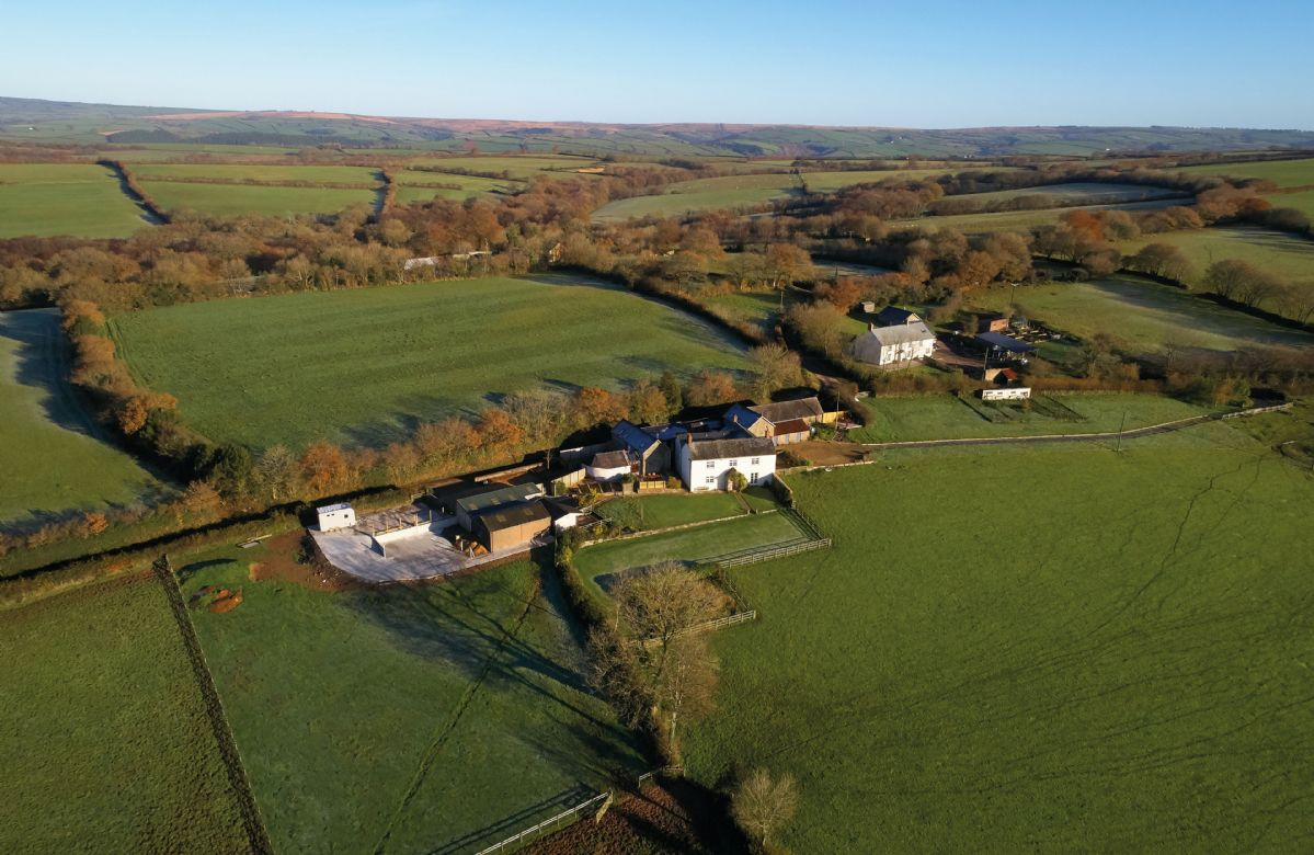 Situated on an old farm, Green Knowe Cottage is surrounded by countryside