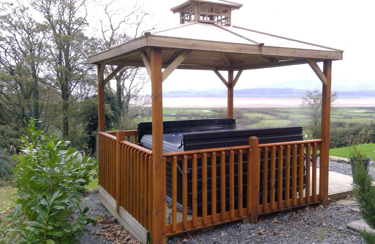 Outdoor hot tub with stunning views