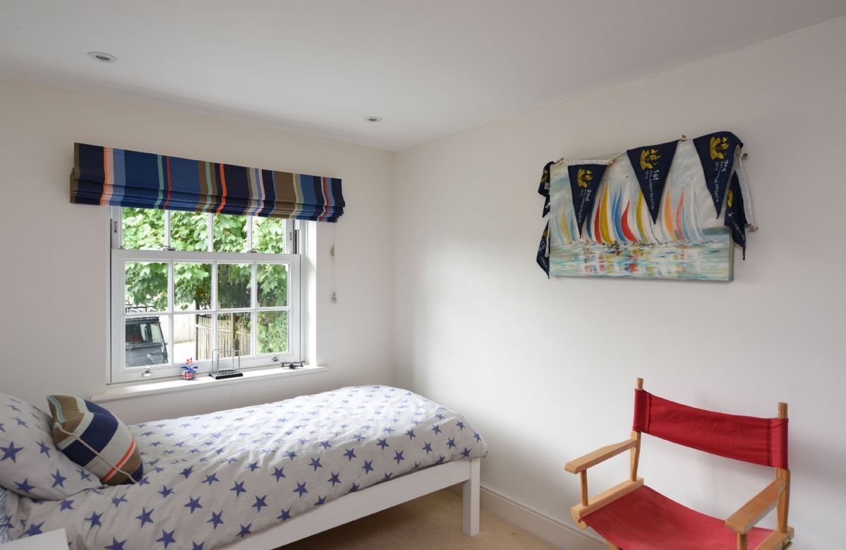 First floor: Seaside themed single bedroom with 3' single bed