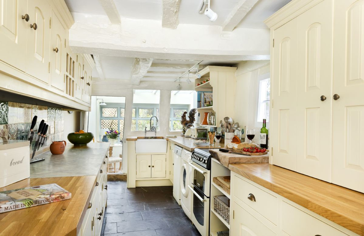 Ground floor: Handmade bespoke kitchen