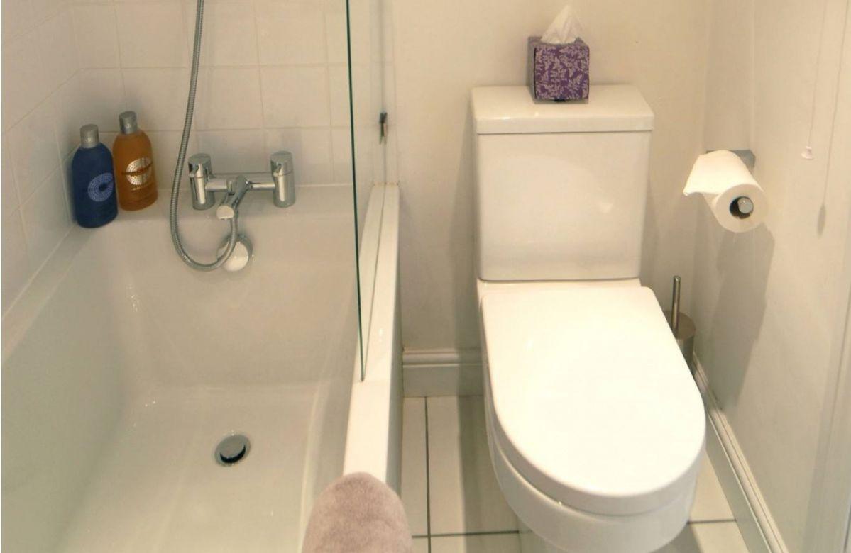 First Floor: the Bathroom