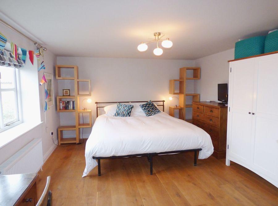 The Sidings   Bedroom 1